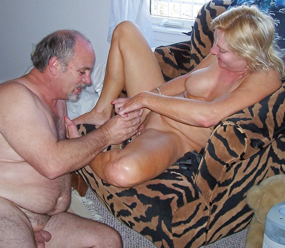 Installing a chemo port for anus