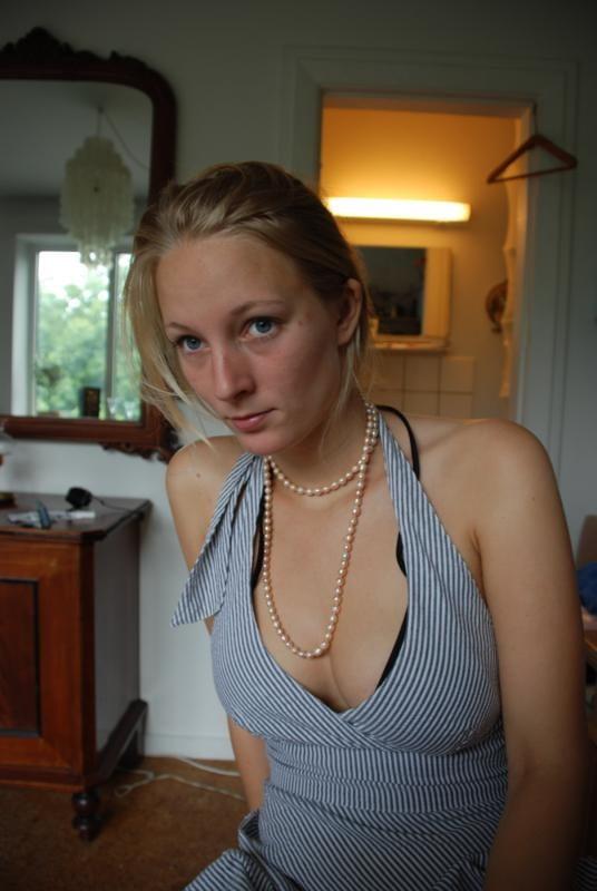 Innocent little girl cheated for sex