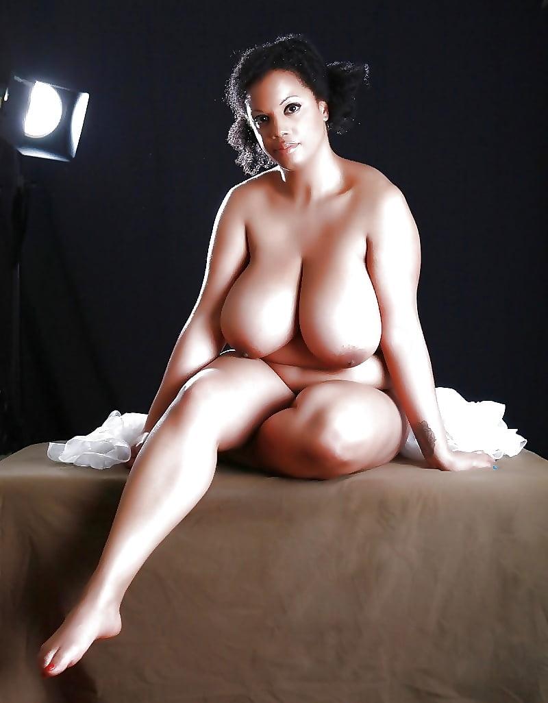 porno-zrelimi-pishnie-zhenskie-formi-erotika-premium