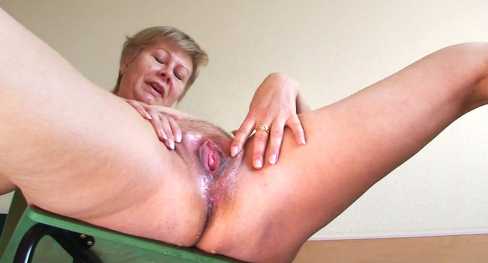 Mature squirting porn and older women pics