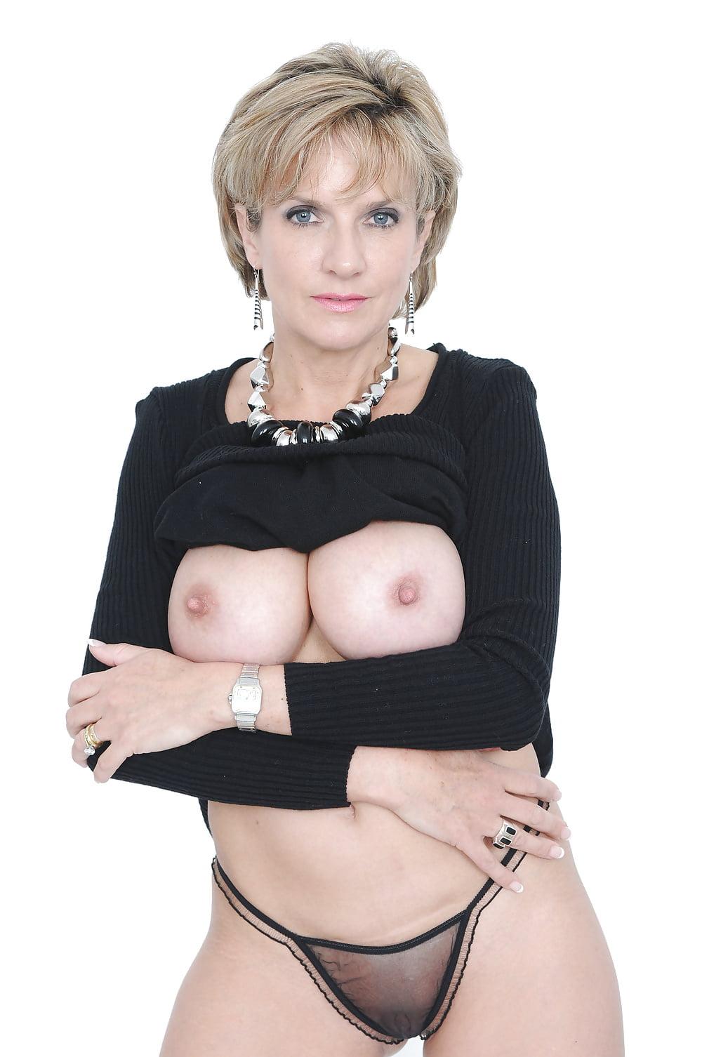 Красивой зрелой бальзаковские голые женщины порно