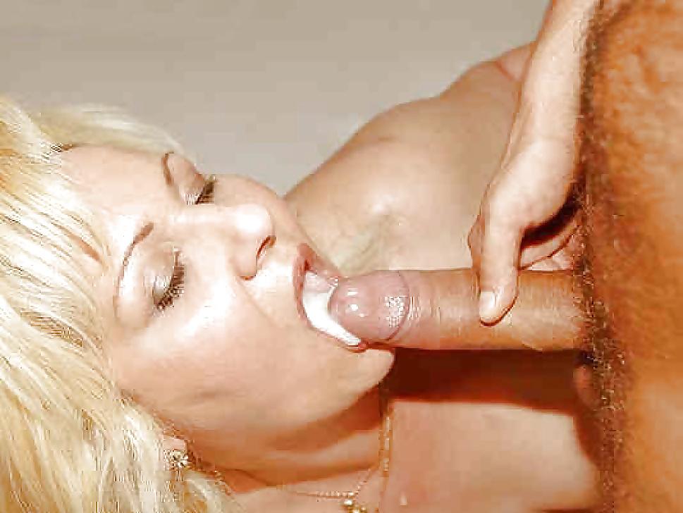 сперма в рот зрелой фото - 11