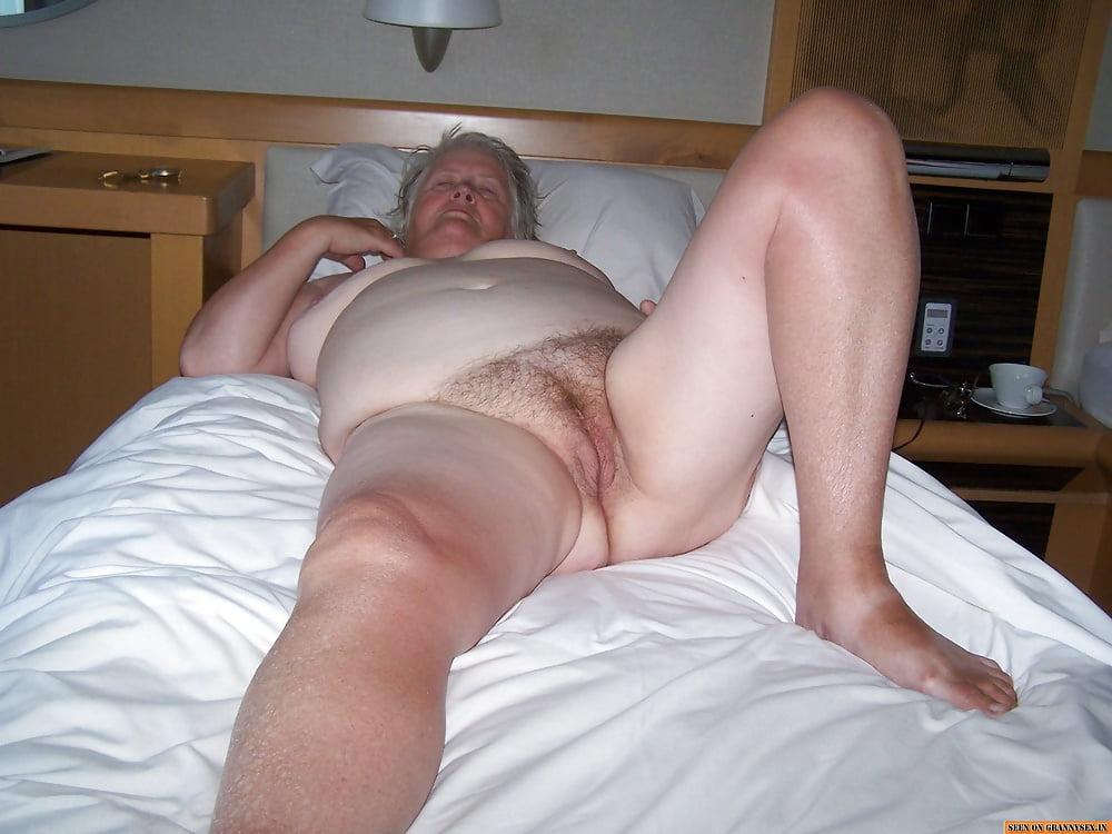 sleeping-granny-porn