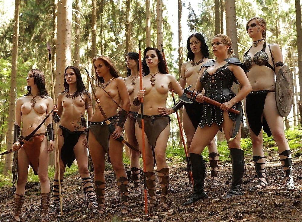 Ебут девушки амазонки трахаются красивая жена видео