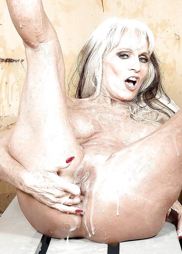 lyubimoy-porno-filmi-s-salli-heyzel