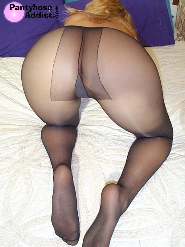 Free pantyhose blonde threeway sex movies