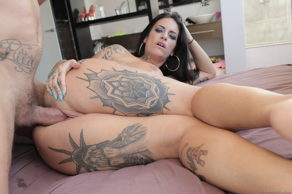Seducedbyacougar Raquel Devine Pitch Babe Karupspc XXX Porn Pics