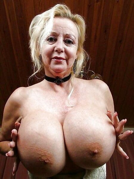 Older women stocking porn #1