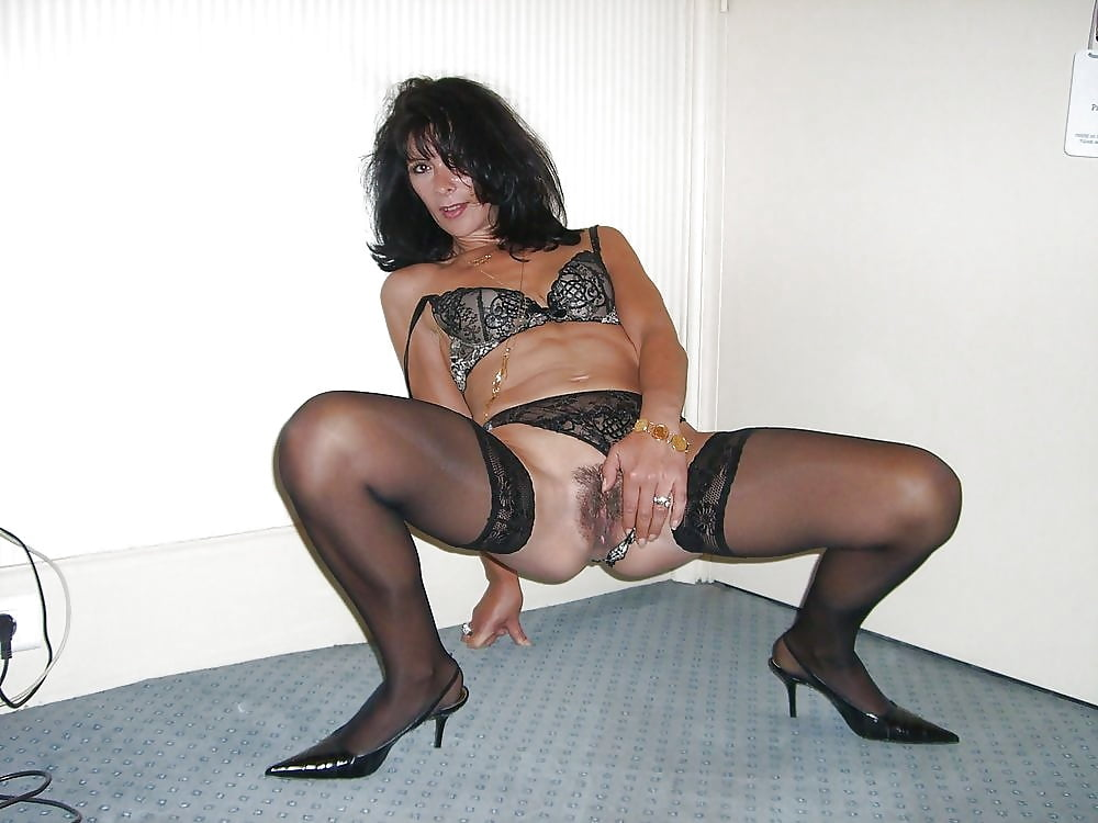Sexy milf high heels-3576